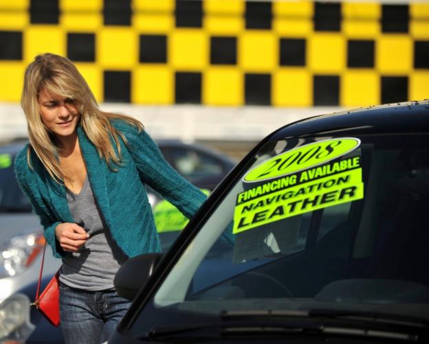 ¿Qué es mejor, comprar un coche nuevo o de segunda mano?